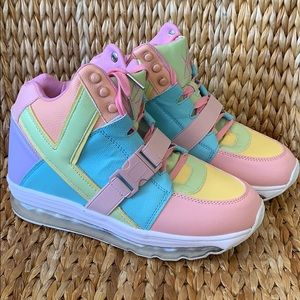 bc17a6e19bca Worn Once YRU Pastel Aiire Sneakers 9M